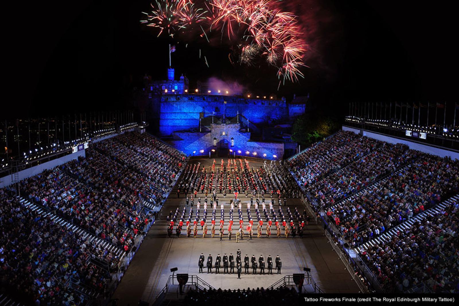 Royal edinburgh military tattoo mcv fifes drums for Tattoo edinburgh scotland